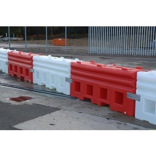 Safewall Plastic Separator - 2mtr Sections