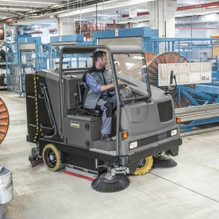 Karcher (B 300 RI) Combination Ride-on Sweeper & Scrubber Dryer