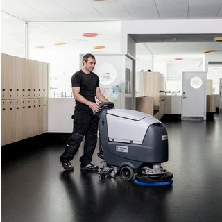 Nilfisk SC530 Floor Scrubber Dryer